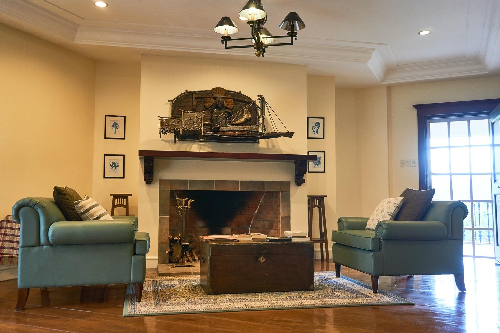 Frangeli House Inside Oct 1